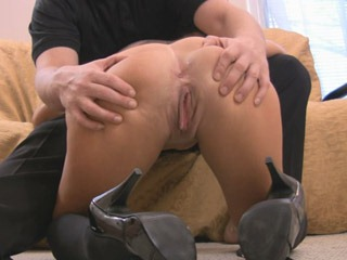 milf-gets-analized-on-brokeamateurs